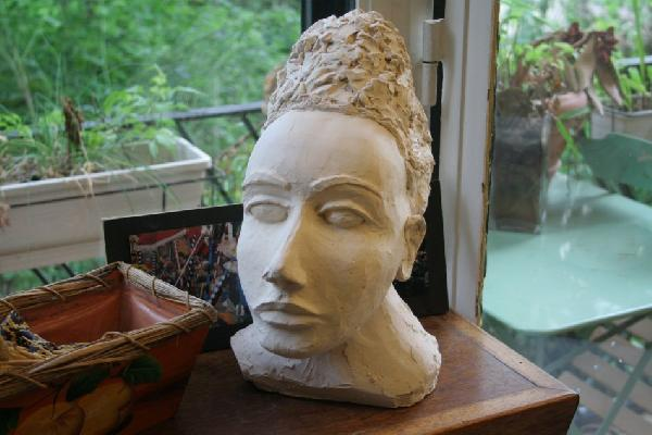 Nefertiti med, une sculpture by Jean-Christophe Patat